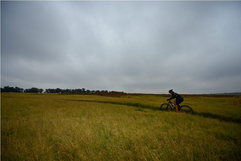 Rolling grasslands set the scene for the Glacier Cradle Traverse. Photo by ZC Marketing Consulting.